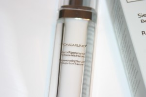 bottle of Moncarlino Rejuvenating Serum
