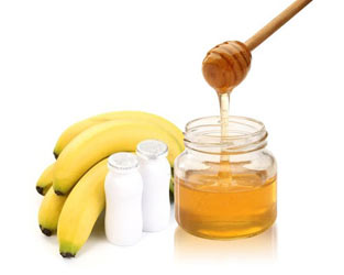 banana honey yogurt facial mask by Jessica Metivier