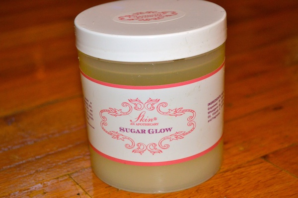 Skin An Apothecary Sugar Glow in Chamomile Flower