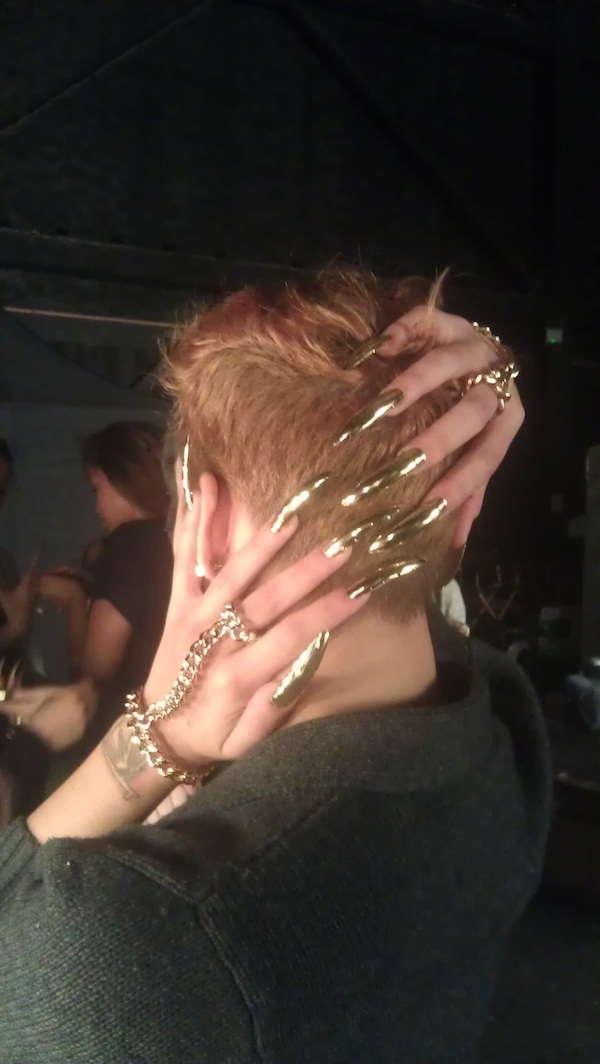 Beyoncé backup dancers ROCKS Chevron Gold Minx Nails at Superbowl!